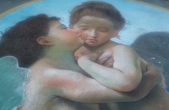 Amore e psiche, Bouguereau, Gessetti e pastelli su strada, 2015, Matteo Appignani